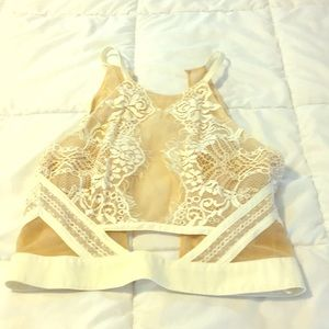 Pretty delicate Lacey crop top